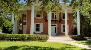 Historic Mansion 1 Hour from Austin